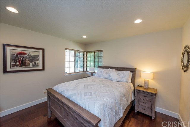 Additional photo for property listing at 23017  Calvert Street 23017  Calvert Street Woodland Hills, California 91367 United States