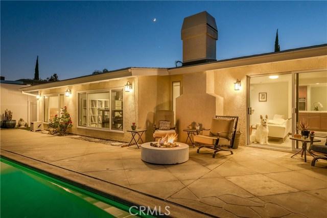 17460 Tuscan Drive, Granada Hills CA: http://media.crmls.org/mediascn/2b56a0c4-5de1-4224-b93a-5f9eea9239d9.jpg