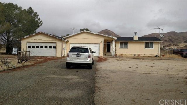 4225 Backus Road, Mojave, CA 93501