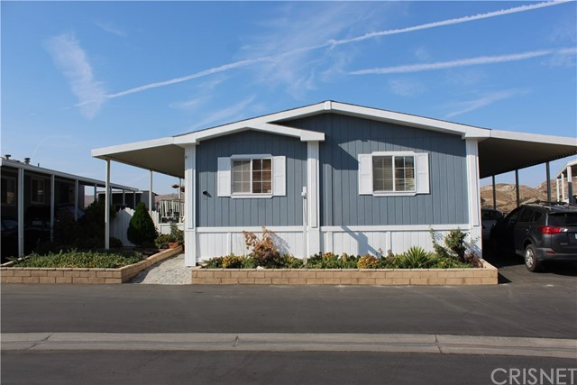 30000 SAND CANYON Road, Canyon Country CA: http://media.crmls.org/mediascn/2b84150d-552c-4d2a-ac2c-b299ceb3f6df.jpg