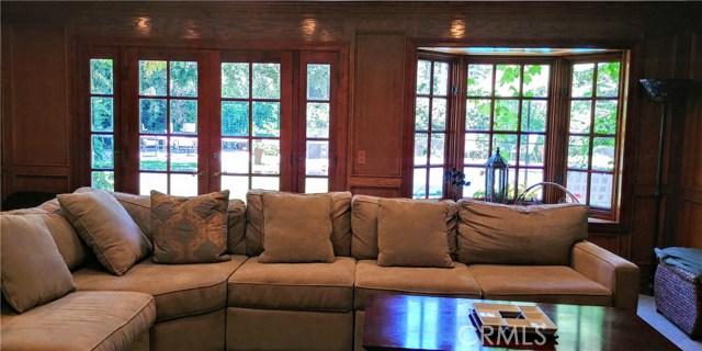 5643 Middle Crest Drive, Agoura Hills CA: http://media.crmls.org/mediascn/2b93ad0b-d479-45ea-8bba-010cb5fe4859.jpg