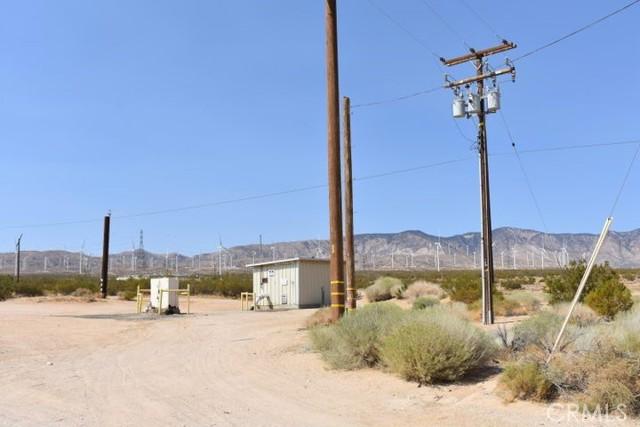 1 Koch Street, Mojave CA: http://media.crmls.org/mediascn/2bf6c920-81a8-48df-9027-5f2310b605ba.jpg