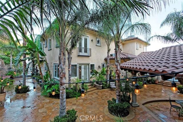 1175 San Clemente Way, Camarillo CA: http://media.crmls.org/mediascn/2bffff7f-51ac-44f0-8888-48490343b98b.jpg