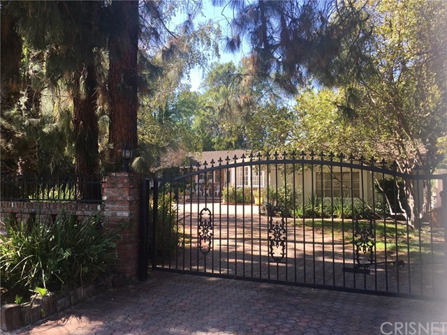 23385 Ostronic Drive  Woodland Hills CA 91367