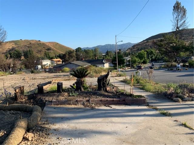 5460 Parkmor Road, Calabasas CA: http://media.crmls.org/mediascn/2c780f3c-558e-4386-8105-099a88fa5679.jpg