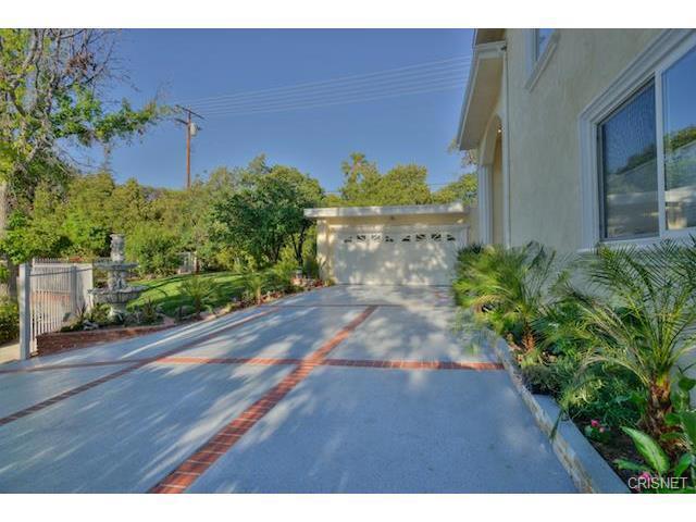 22400 Sylvan Street, Woodland Hills CA 91367