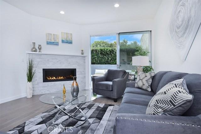 12045 Guerin Street, Studio City CA: http://media.crmls.org/mediascn/2ca50e8d-a9b7-463a-9dea-8ed74b5db76b.jpg