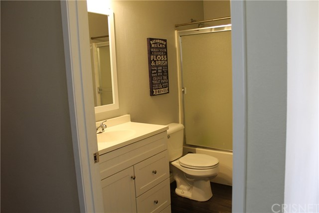 12105 Edgecliff Avenue, Sylmar CA: http://media.crmls.org/mediascn/2cd434cc-0b28-4c88-aeed-ee7331e497b2.jpg