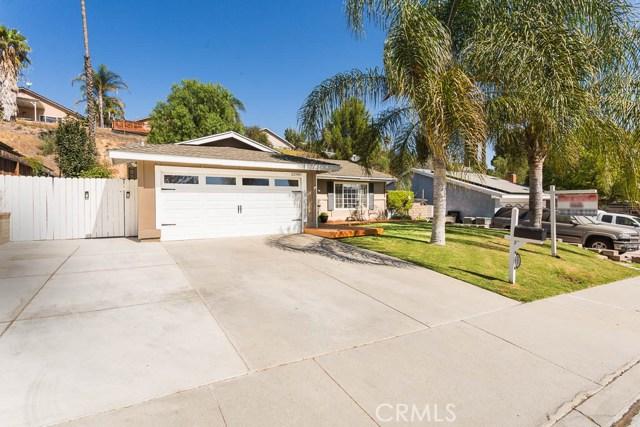 22989 Mulberry Glen Drive, Valencia CA: http://media.crmls.org/mediascn/2cd5e7b5-1409-4a1e-aaf7-6bb149567181.jpg