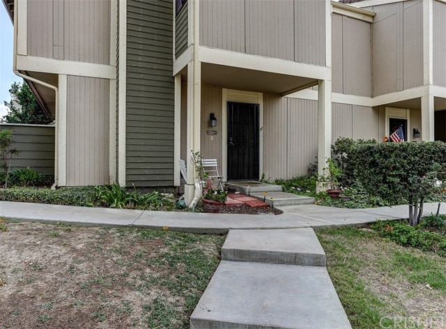 27064 Crossglade Avenue Unit 1, Canyon Country CA 91351
