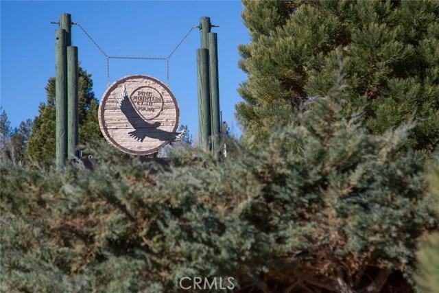 15905 Edgewood Way, Pine Mtn Club CA: http://media.crmls.org/mediascn/2cdab4a2-3c0a-4647-9f86-868be93fe734.jpg
