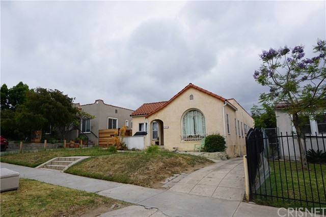 1350 S Tremaine Avenue Los Angeles, CA 90019 - MLS #: SR17102278