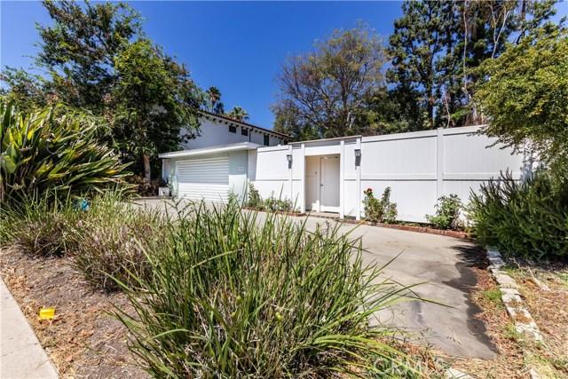 4245 Sepulveda Boulevard, Sherman Oaks CA: http://media.crmls.org/mediascn/2d005141-fd39-4cd3-9f92-1ecdf6d647f0.jpg