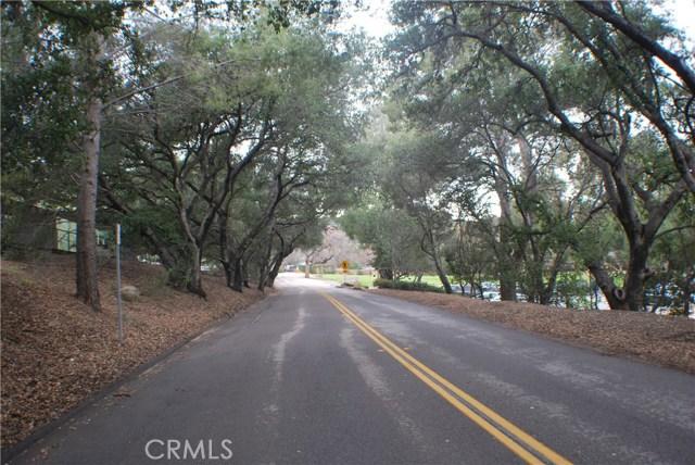 5832 Oak Knolls Road, Simi Valley CA: http://media.crmls.org/mediascn/2d7b3338-e242-443c-9026-0671cc062cd1.jpg