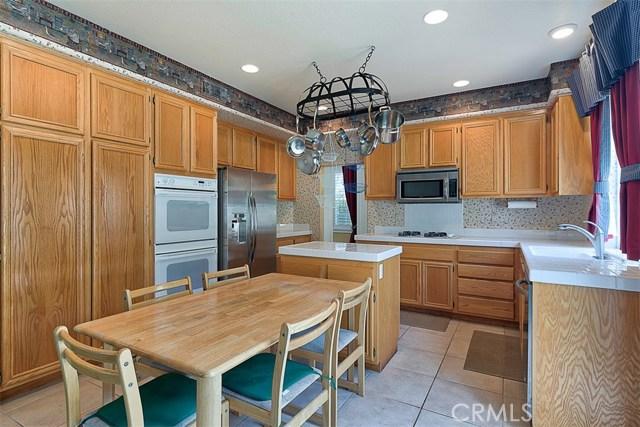 26061 Salinger Lane, Stevenson Ranch CA: http://media.crmls.org/mediascn/2d83f96d-22c6-46c9-a0d5-ef78c9e7e3ca.jpg