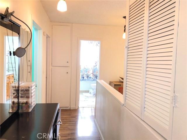 17053 Roscoe Boulevard, Northridge CA: http://media.crmls.org/mediascn/2d849db1-4bac-45b0-a6b9-fb2702b5ac2b.jpg