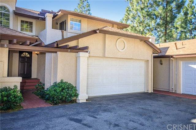 Detail Gallery Image 1 of 1 For 22812 Banyan Pl #9,  Saugus,  CA 91390 - 2 Beds | 2/1 Baths