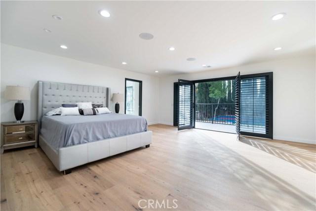 Additional photo for property listing at 10101  Vanalden Avenue 10101  Vanalden Avenue Northridge, California 91324 United States
