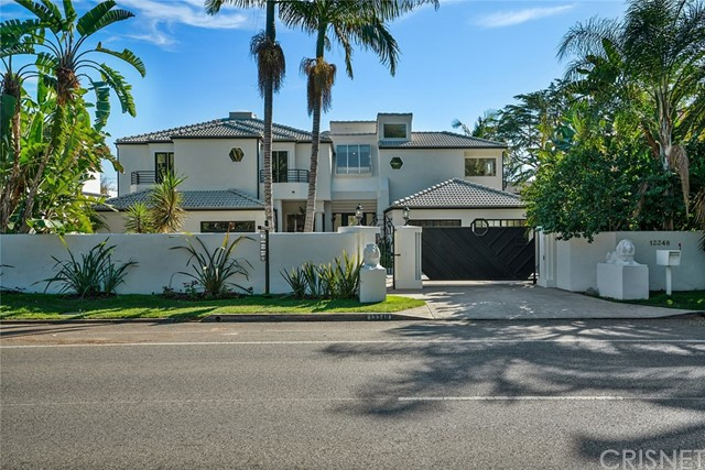 Photo of 13348 Chandler Boulevard, Sherman Oaks, CA 91401