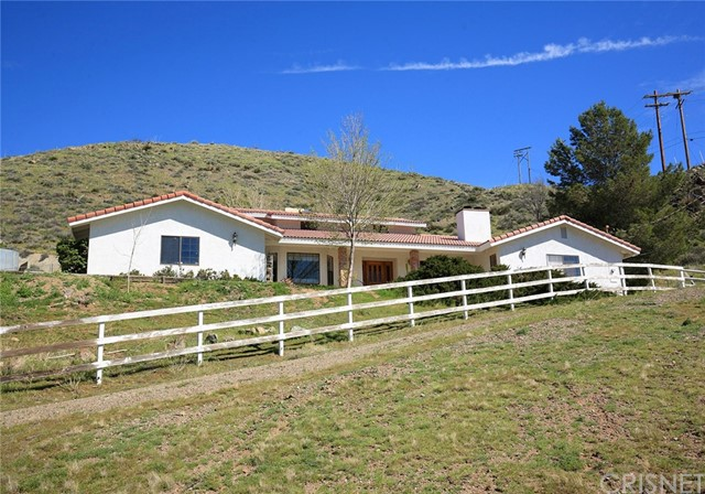 Single Family Home for Sale at 6600 Godde Hill Road Leona Valley, California 93551 United States