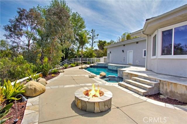 24833 Jacob Hamblin Road, Hidden Hills CA: http://media.crmls.org/mediascn/2e2c26b3-fb15-4d90-8919-3faea1c92018.jpg