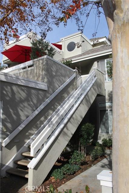23963 Arroyo Park Drive, Valencia CA: http://media.crmls.org/mediascn/2e307c53-0f84-493d-a185-bcfcf8c79361.jpg