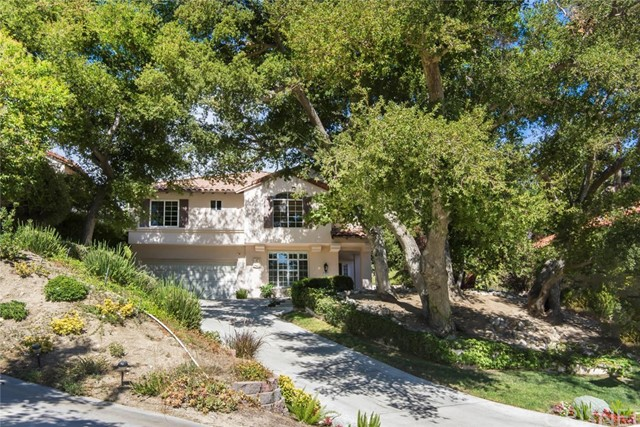 23682 White Oak Court, Newhall CA: http://media.crmls.org/mediascn/2e7bf0ad-1b53-4c47-a57c-d385ea9ef0c1.jpg