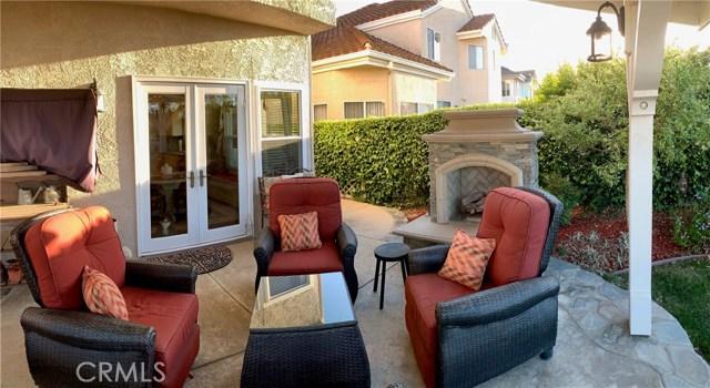 11919 Silver Crest Street, Moorpark CA: http://media.crmls.org/mediascn/2ea4e386-2ead-405c-9781-70700ed84c1d.jpg