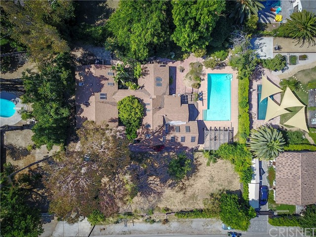 19627 Oxnard Street , CA 91356 is listed for sale as MLS Listing SR17152372
