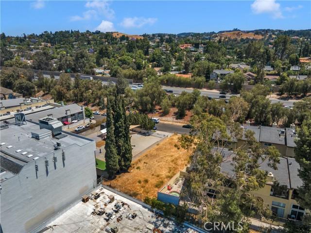 22949 del valle, Woodland Hills CA: http://media.crmls.org/mediascn/2ed12e99-244d-46fe-9013-d548e9497ef4.jpg