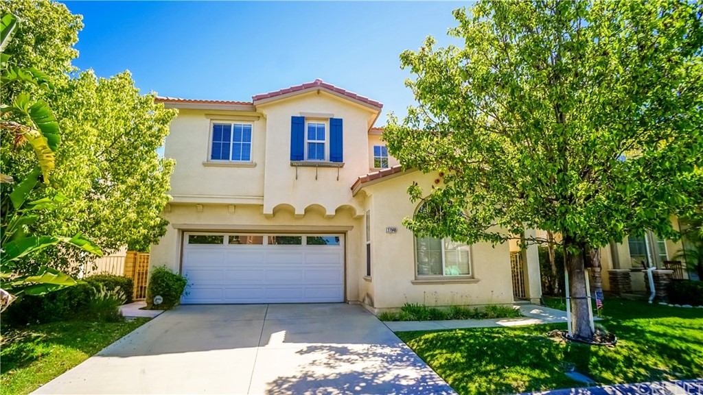 Property for sale at 27946 Agapanthus Lane, Valencia,  CA 91354
