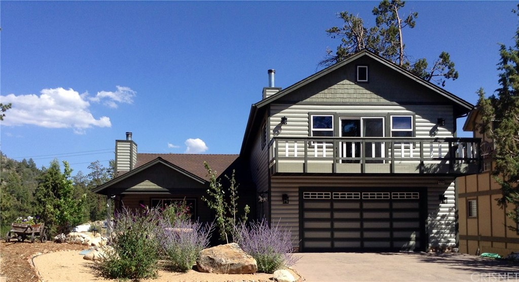 Photo of home for sale at 42053 SKYVIEW RDG, Big Bear CA