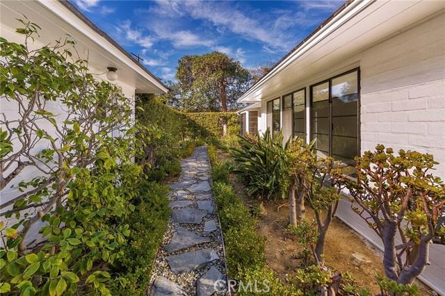 3738 Glenridge Drive, Sherman Oaks CA: http://media.crmls.org/mediascn/2f0bd03f-fc76-454a-9622-1a13f750d598.jpg