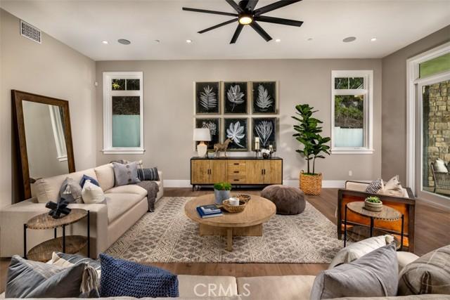 4200 Mesa Vista Drive, La Canada Flintridge CA: http://media.crmls.org/mediascn/2f289c46-b69b-4863-8b15-d606224e2bb3.jpg