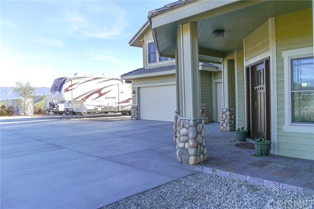 Single Family Home for Sale at 8620 Escondido Canyon Road Agua Dulce, California 91390 United States