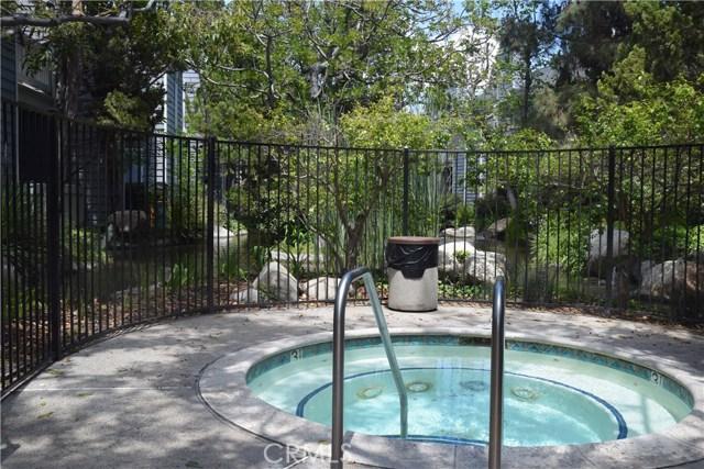 633 Arneill Road, Camarillo CA: http://media.crmls.org/mediascn/2f686cad-eca4-41e4-aa84-4b2b426f1cf0.jpg