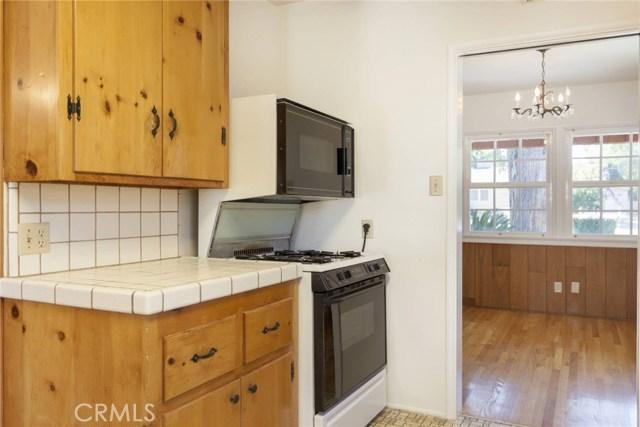 22025 De La Osa Street, Woodland Hills CA: http://media.crmls.org/mediascn/2f69bb9b-ff9c-40da-a8c0-bbcf7a443563.jpg