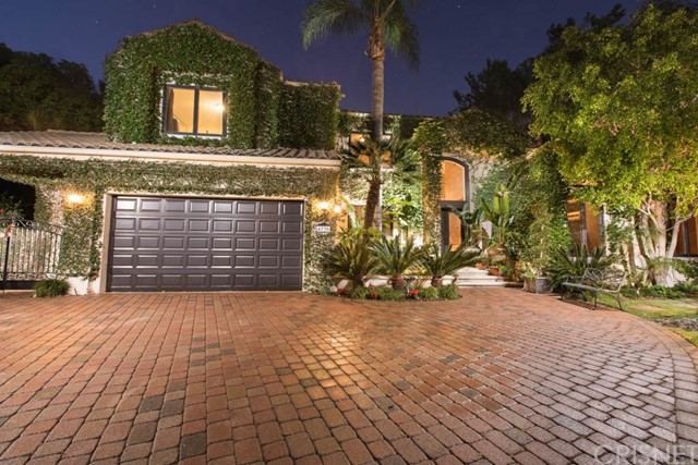 Single Family Home for Sale at 4730 Azucena Road Woodland Hills, California 91364 United States