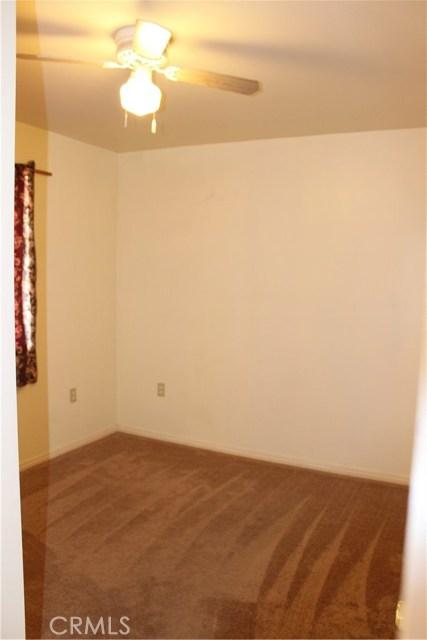 10502 White Oak Avenue, Granada Hills CA: http://media.crmls.org/mediascn/2ff4eeff-7f42-4e12-ad50-16d5d61c22c9.jpg
