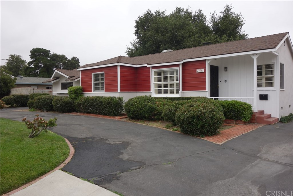 Photo of 24957 Chestnut Street, Newhall, CA 91321