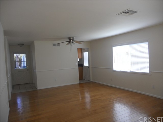 6809 Sale Avenue, West Hills CA: http://media.crmls.org/mediascn/3036fa4d-105e-4cc6-a904-64b0a7ba111c.jpg