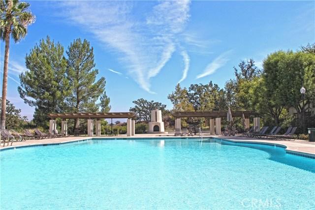 26915 Augusta Place, Valencia CA: http://media.crmls.org/mediascn/303c5742-86d2-4c04-a181-d93a3c939863.jpg