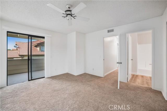 74 Maegan Place, Thousand Oaks CA: http://media.crmls.org/mediascn/306a488b-8ef9-4a53-970e-2177ba0d79d7.jpg