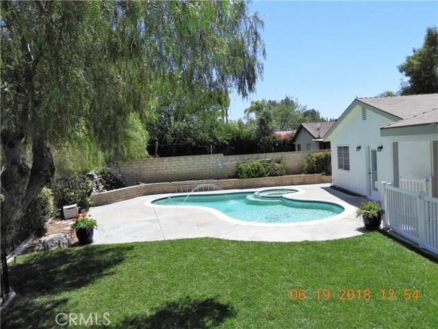 22906 Sycamore Creek Drive, Valencia CA: http://media.crmls.org/mediascn/30af51a0-211c-4096-b676-9f221e07e9f1.jpg