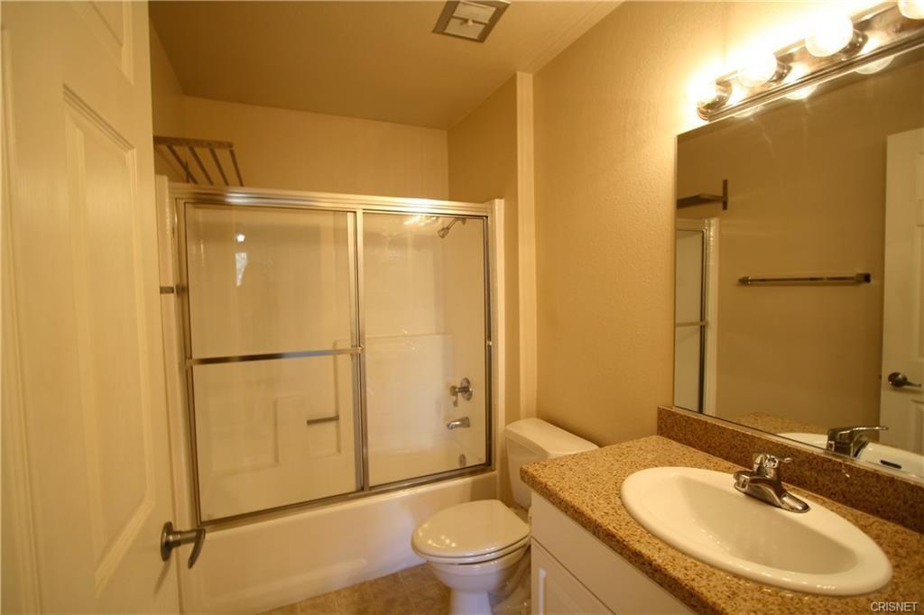 5545 Canoga Avenue, Woodland Hills CA: http://media.crmls.org/mediascn/30c1e9f1-0cf2-4c18-a860-4a8cf99b3e68.jpg