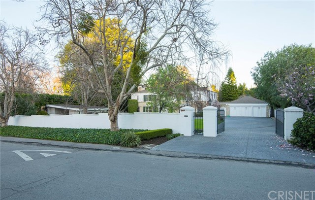 4020 Longridge Avenue, Sherman Oaks, CA 91423