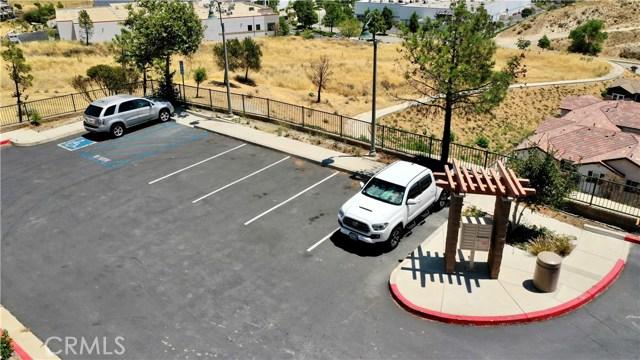16612 Nicklaus Drive, Sylmar CA: http://media.crmls.org/mediascn/30edd70c-7edd-4c19-af60-17b2efaead04.jpg