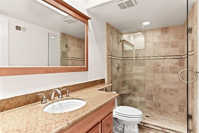 23600 Blythe Street, West Hills CA: http://media.crmls.org/mediascn/30ee09d3-2f6c-4d51-b36b-2b14a72f6574.jpg