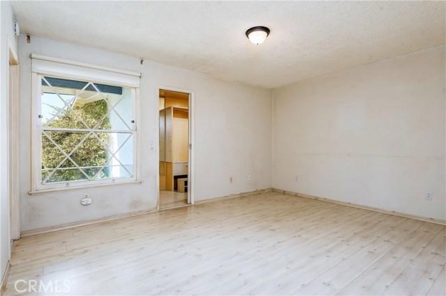 11702 Monogram Avenue, Granada Hills CA: http://media.crmls.org/mediascn/312eb433-e25f-4167-b529-22034d20e960.jpg