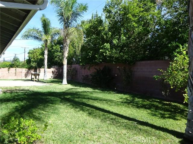10102 Debra Avenue, North Hills CA: http://media.crmls.org/mediascn/3194c605-d29e-48fb-bffc-b4a22f42e490.jpg
